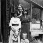 1954 - Judy F-Ruth ?-Lorraine ?-Linda F-Douglas ?